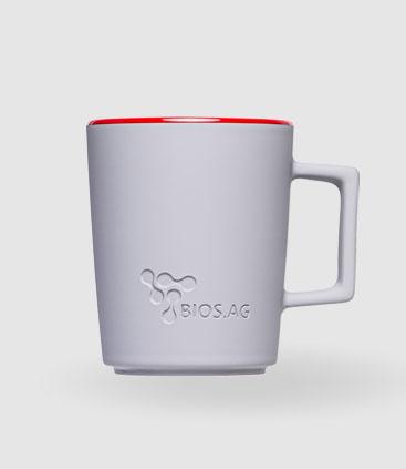 große weiße Tasse mit Gravur