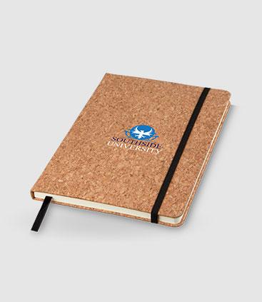 bedrucktes Notizbuch mit Korkeinband und schwarzem Gummi
