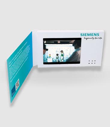 Beispiel einer aufgeklappten Video Card mit Video Botschaftt